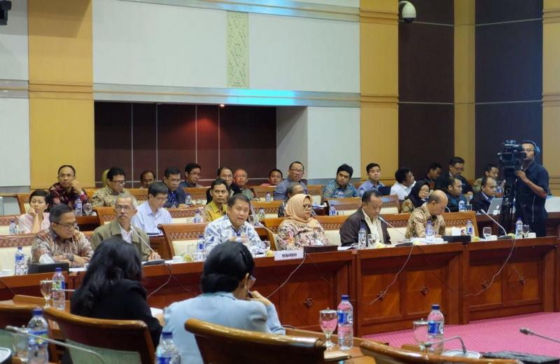 Rapat Kerja dengan Komisi I DPR RI, Menkominfo Bahas Tiga Agenda