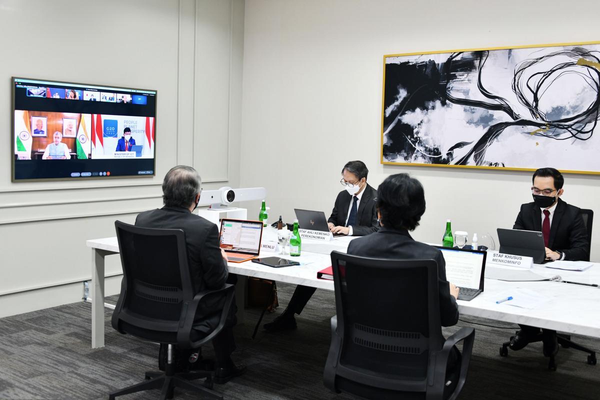 Kemkominfo-Johnny Plate-G20-Pertemuan-Bidang Digital-AYH-5.jpg