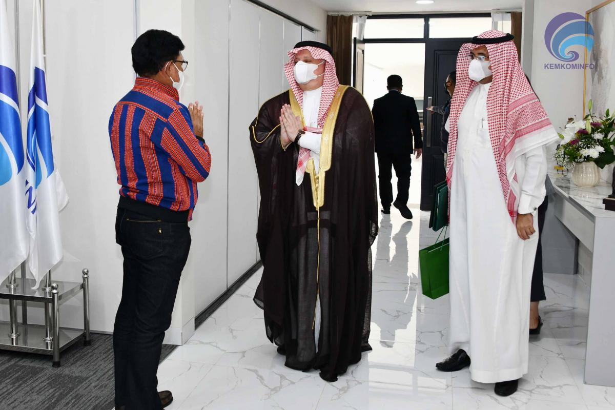 kominfo-menteri-johnny-kunjungan-dubes-arabsaudi-AYH-04.jpg