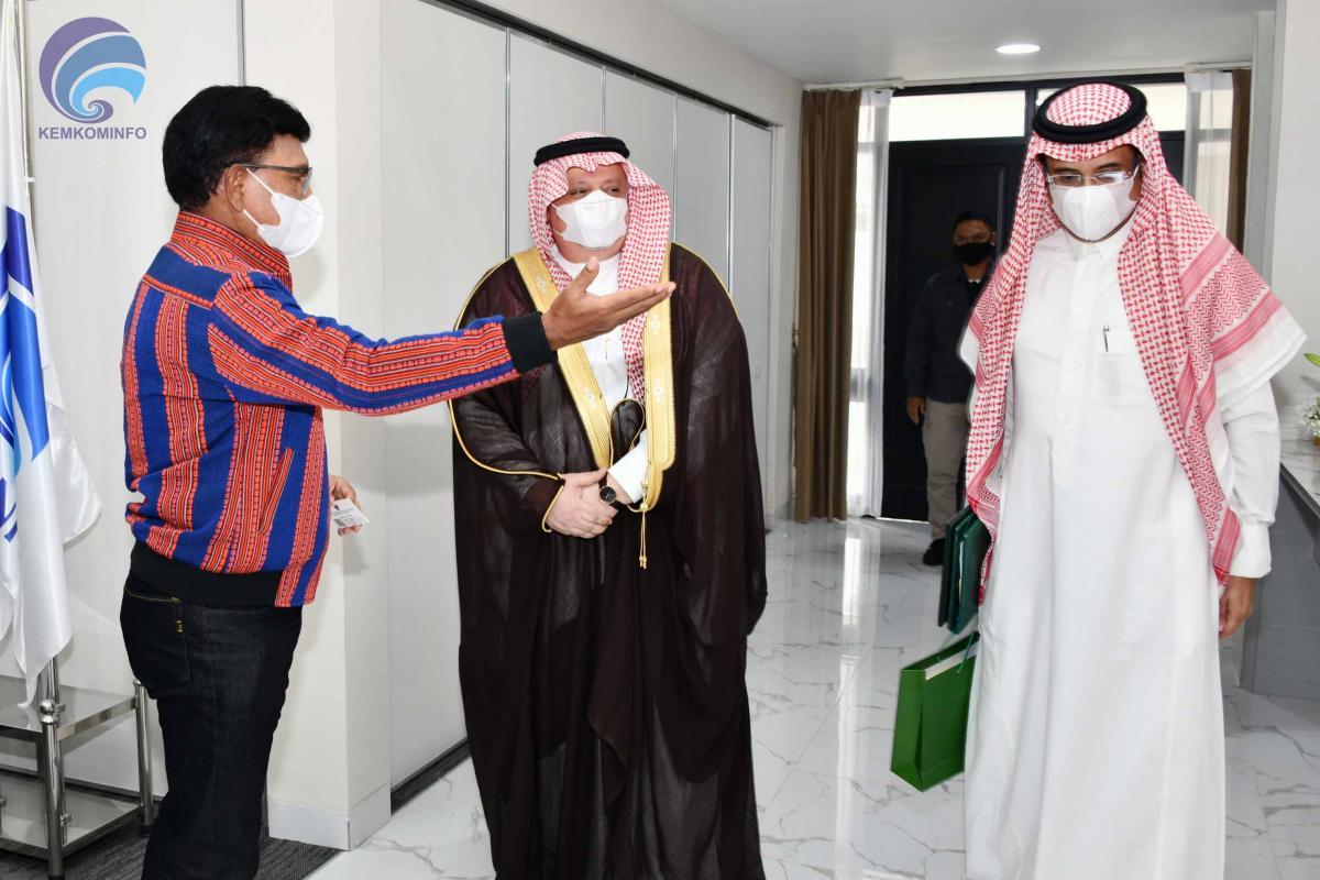 kominfo-menteri-johnny-kunjungan-dubes-arabsaudi-AYH-06.jpg