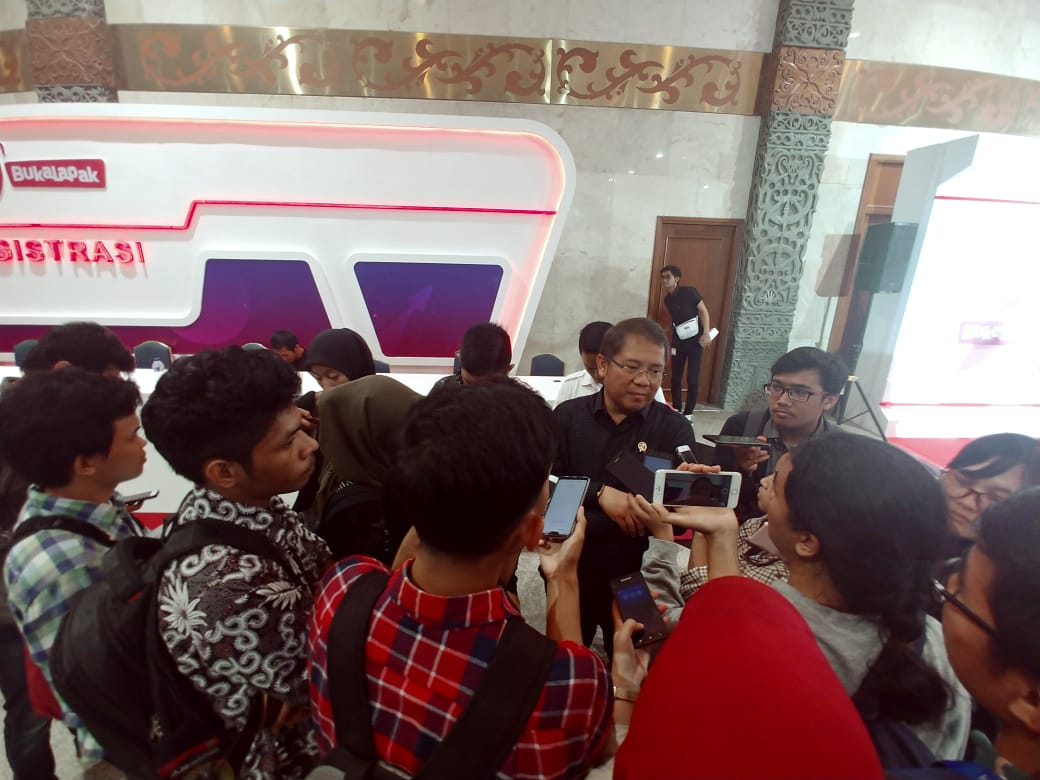Chief RA Doorstop dengan media di JCC
