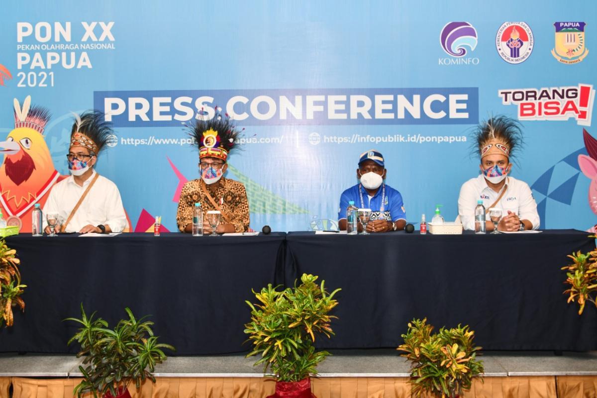 Menkominfo PON Papua AYH II.jpeg