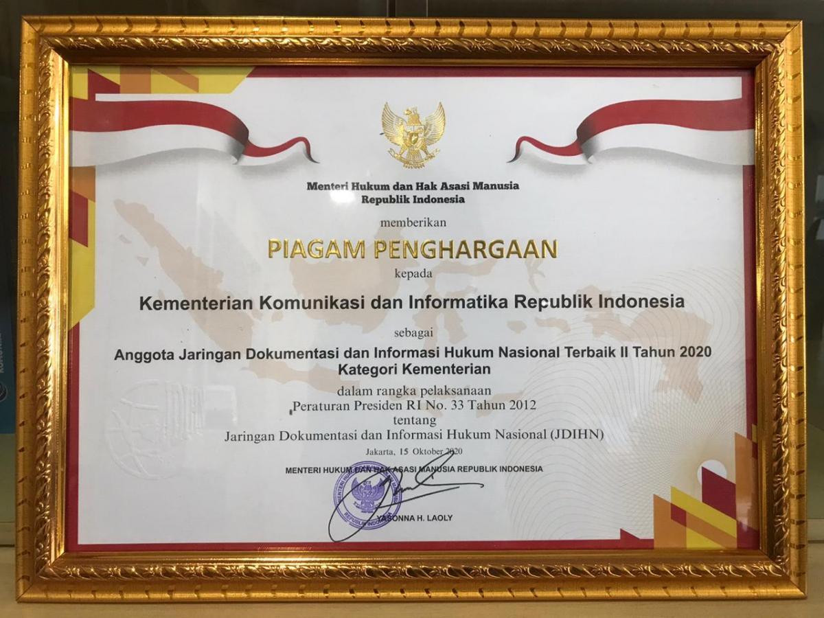 Piagam penghargaan JDIHN Kominfo