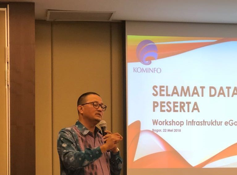 Dirjen Aptika saat menjelaskan data center pada acra workshop e-Government