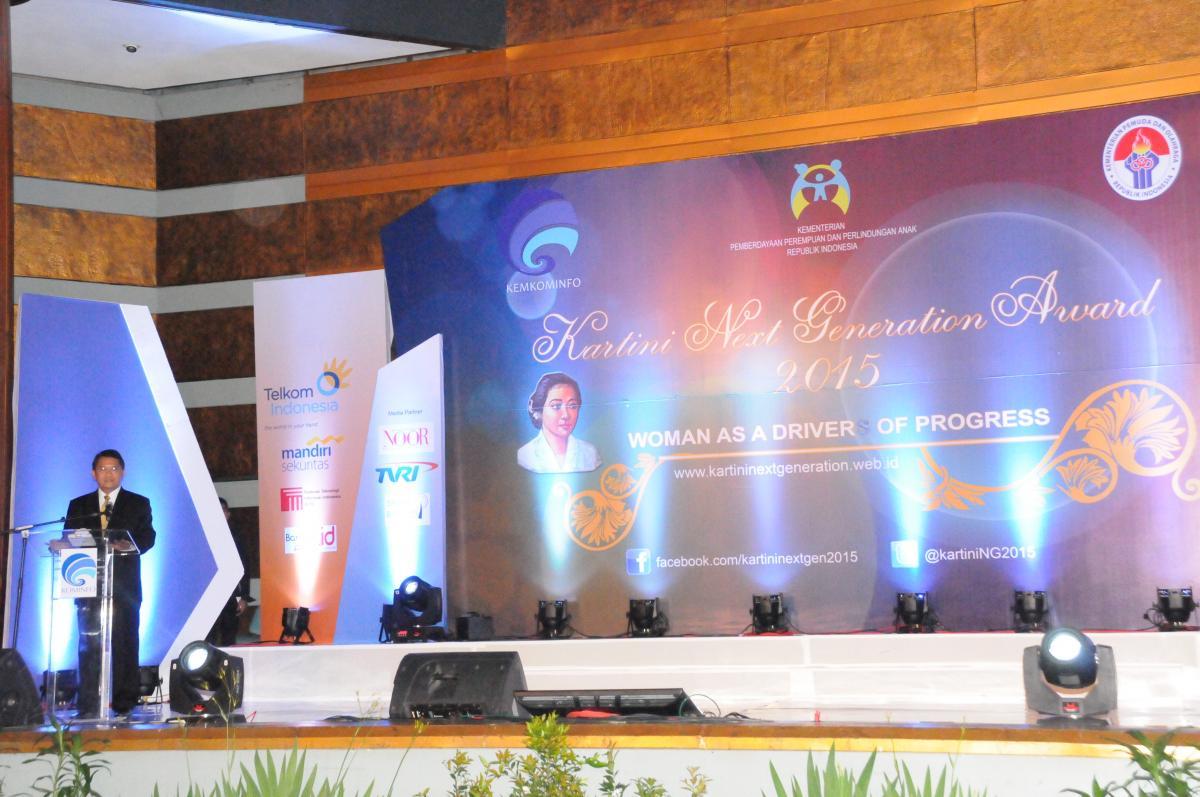 Menkominfo Berikan Anugerah Kartini Next Generation 2015