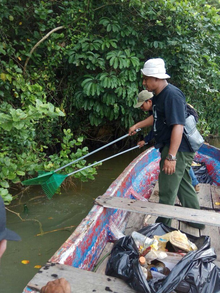 Aksi Bersih Sampah dari Pantai Hingga ke Gunung (4)